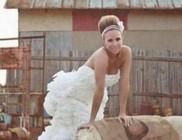 Menyasszonyi ruhák wc-papírból