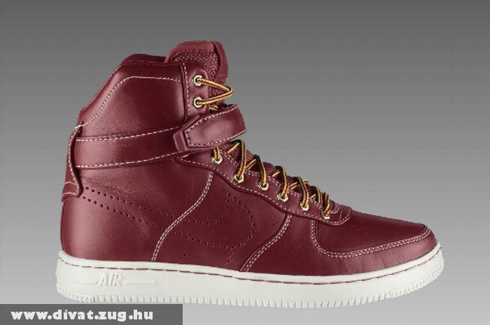 Piros Nike