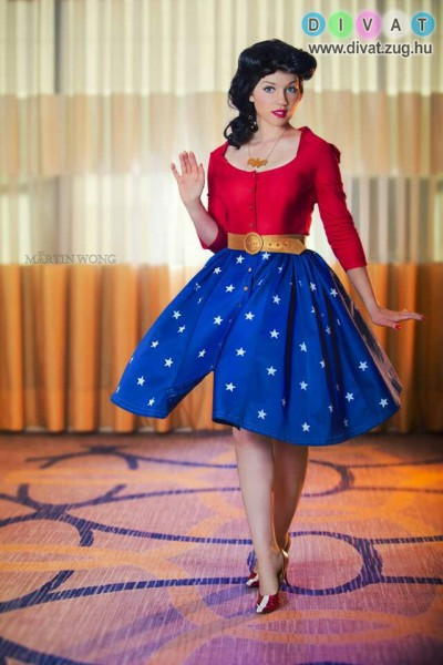 Pin-up stílusú női ruha