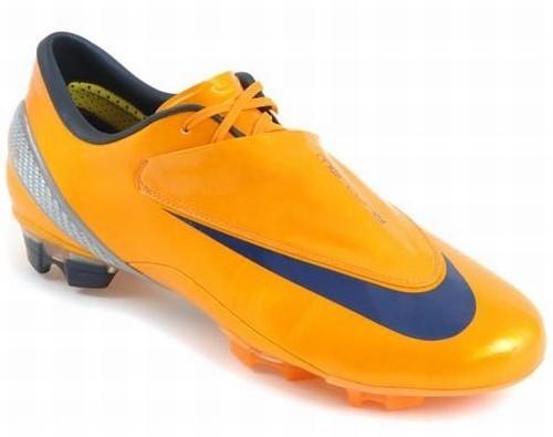 Narancssárga Nike cipõ