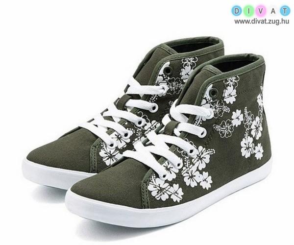 Virágmintás magasszárú cipő