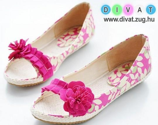 Virágmintás nyári cipő