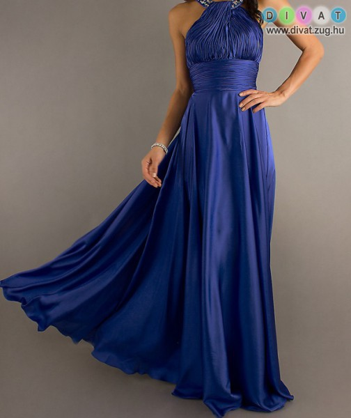 2017-ben hódítanak a kék ruhák