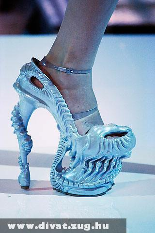 Extrém nõi cipõ :)