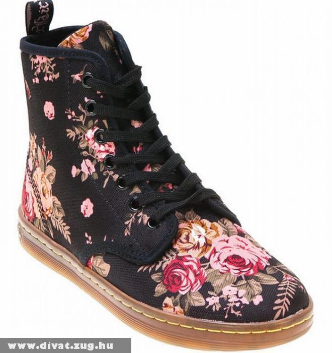 Rózsamintás cipõ