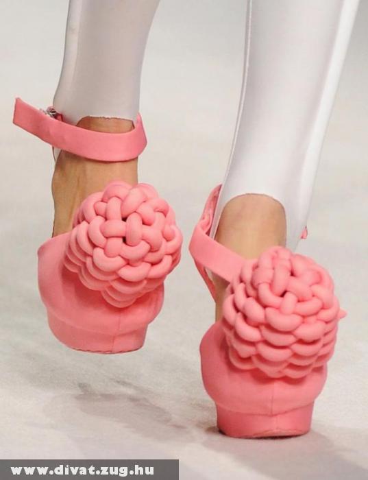 Rózsaszín szivacs cipõ
