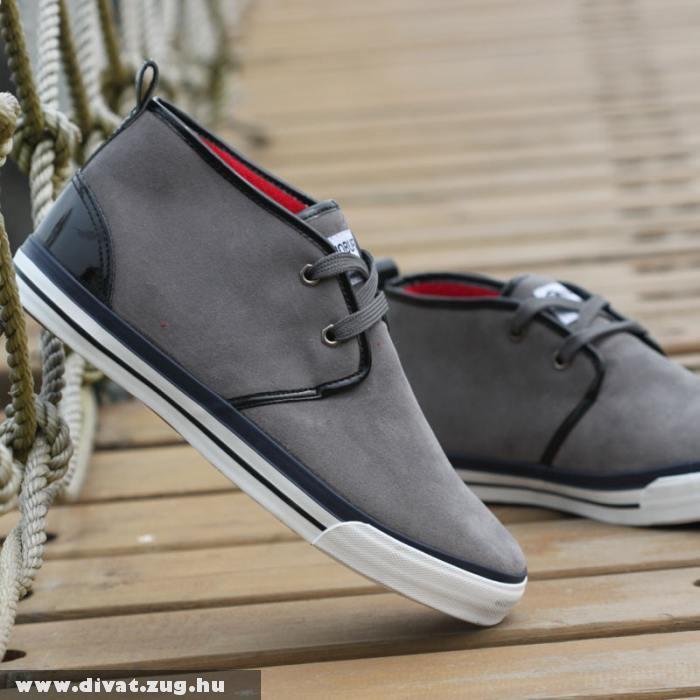 Laza férfi cipõ