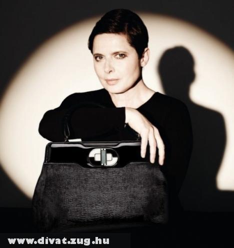 Isabella Rossellini Bulgari táskával