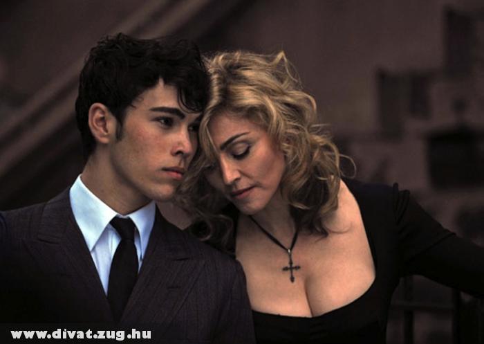 Madonna az új D&G kampányban