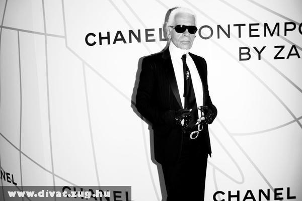 Karl Lagerfeld: 55 éve diktálja a divatot a 77 éves tervezõ