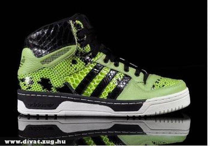 Kígyómintás Adidas