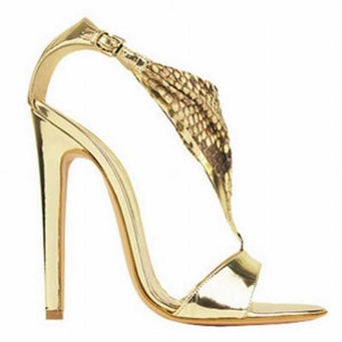 Tûsarkú cipõ