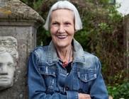 75 éves divatőrült nagymama